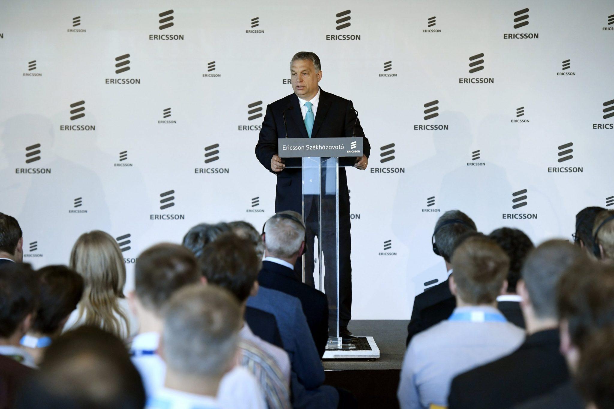 Orbán Viktor és Börje Ekholm az új  Ericsson székházban